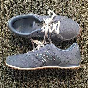 Women's Classic 555 New Balance Sneakers Size 8